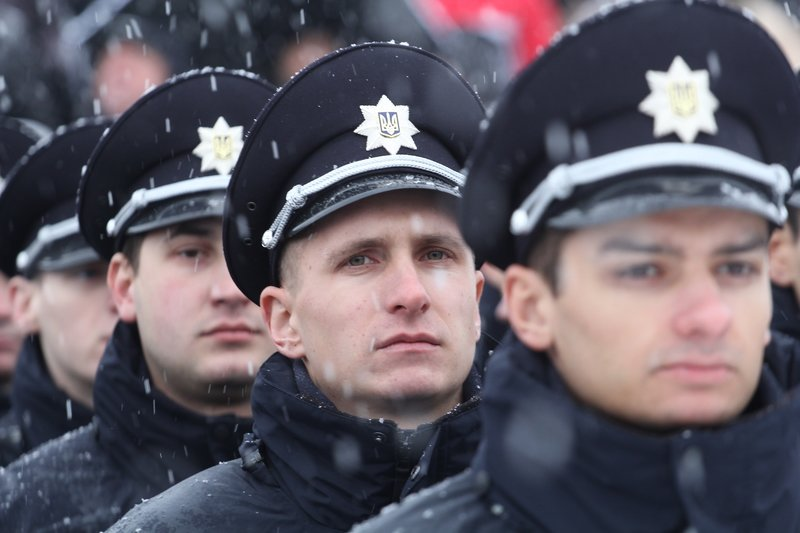 950 полицейских приступили к работе в Днепропетровске (ФОТО) (фото) - фото 8