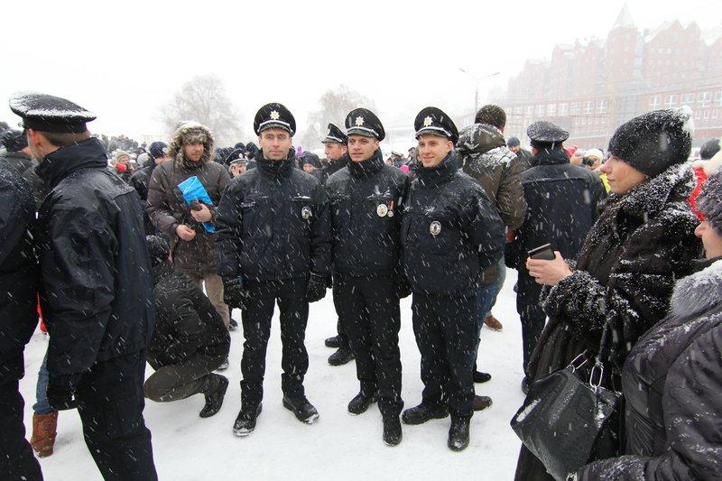 950 полицейских приступили к работе в Днепропетровске (ФОТО) (фото) - фото 3