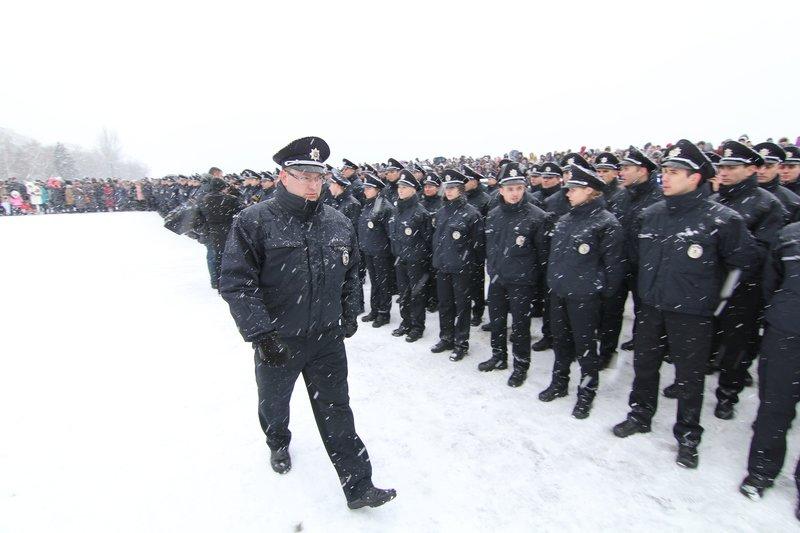 950 полицейских приступили к работе в Днепропетровске (ФОТО) (фото) - фото 7