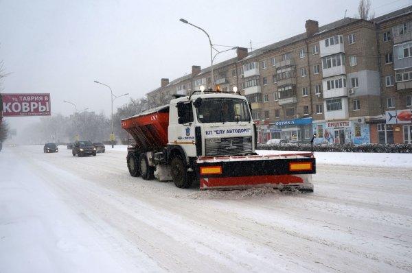 Второй день снежного коллапса в Николаеве: ситуация на дорогах города и области (Постоянно обновляется) (фото) - фото 1