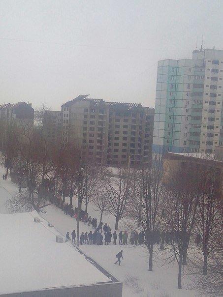 Как криворожане добирались на работу по заметенным снегом дорогам (ФОТО) (фото) - фото 3
