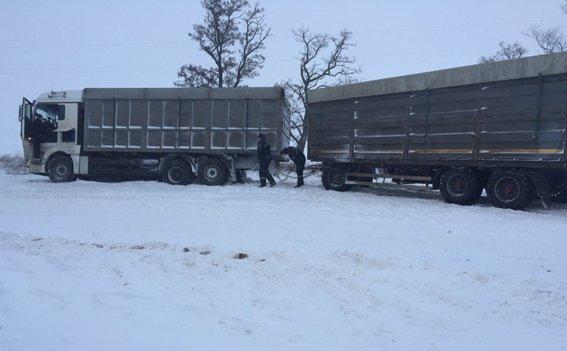 В Николаеве запретили движение большегрузного транспорта (ФОТО) (фото) - фото 1