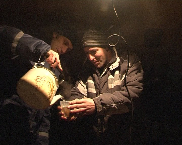 В Днепропетровске работает передвижной пункт обогрева (ФОТО, ВИДЕО) (фото) - фото 1