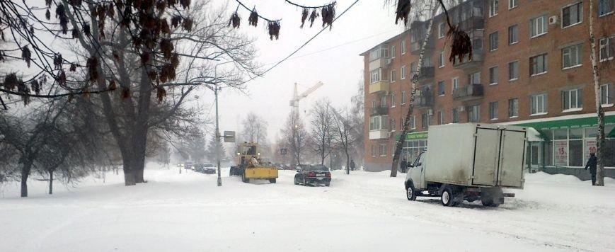 В Полтавском горсовете заявили, что на борьбу со снегом привлекли все коммунальные службы (фото) - фото 2