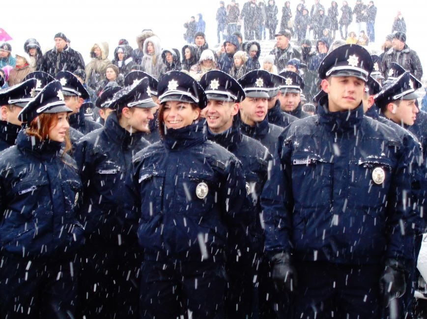 Новые патрульные приступили к работе: чего ждать Днепропетровску (фото) - фото 1