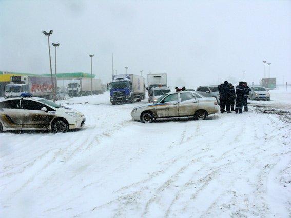 Николаевских полицейских выгнали на круглосуточное дежурство (ФОТО) (фото) - фото 2