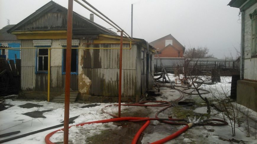 Два пенсионера погибли во время пожара в станице Вешенской, фото-3