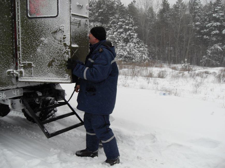 Днепродзержинские спасатели искали заблудившегося на льду рыбака (фото) - фото 2