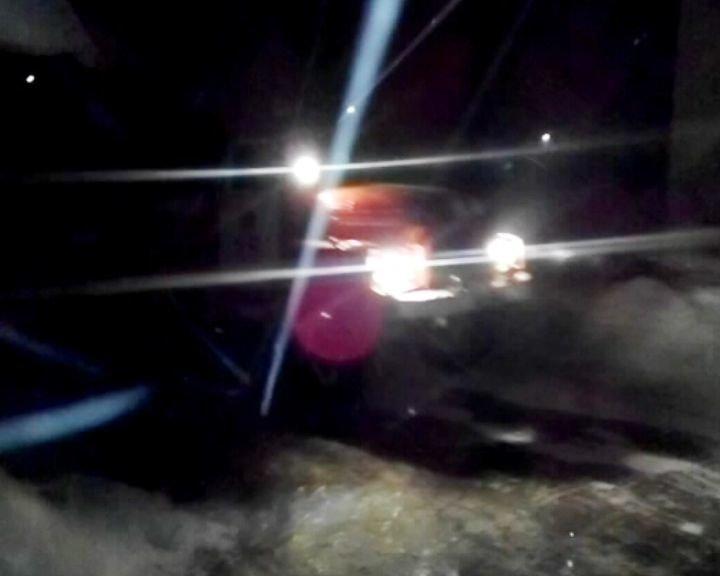 На Сумщине спасатели вытащили из сугроба карету скорой помощи и доставили детей в больницу (ФОТО+ВИДЕО), фото-1