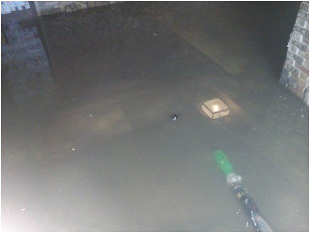 В Макеевке подземный переход заливало водой (фото) (фото) - фото 2