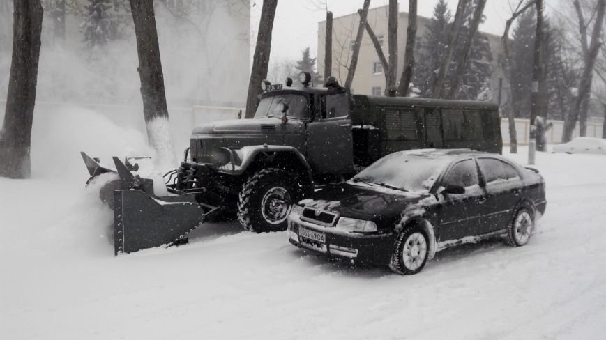 Военные подключились к расчистке трасс на Николаевщине (ФОТО) (фото) - фото 5