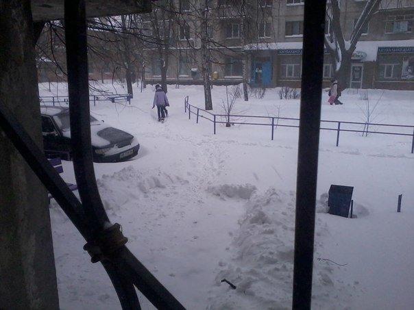 Кременчугская власть просит предприятия, учреждения и простых граждан помочь убрать снег из дворов (ФОТО) (фото) - фото 4