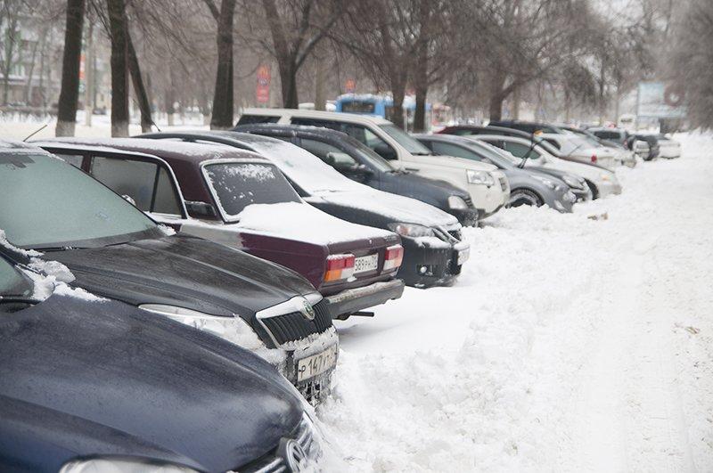 Водители и пешеходы переживают последствия снегопада в Белгороде, фото-1