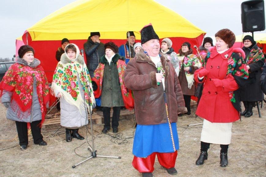 В Крещенских праздниках в с. Боевое приняли участие 10 тысяч жителей Приазовья (фото) - фото 1