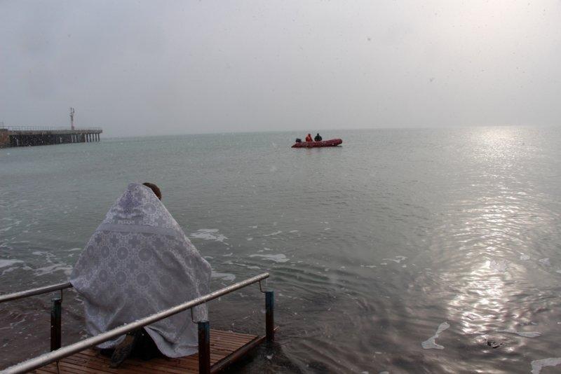 Крещенские купания в Крыму прошли без ЧП (ФОТО), фото-2