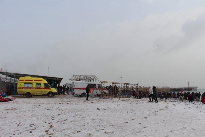 Крещенские купания в Крыму прошли без ЧП (ФОТО), фото-1