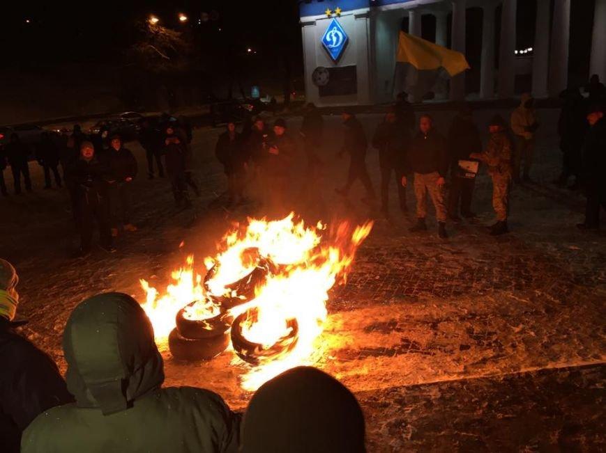 В Киеве Правый сектор жег покрышки на Грушевского (ФОТО), фото-3