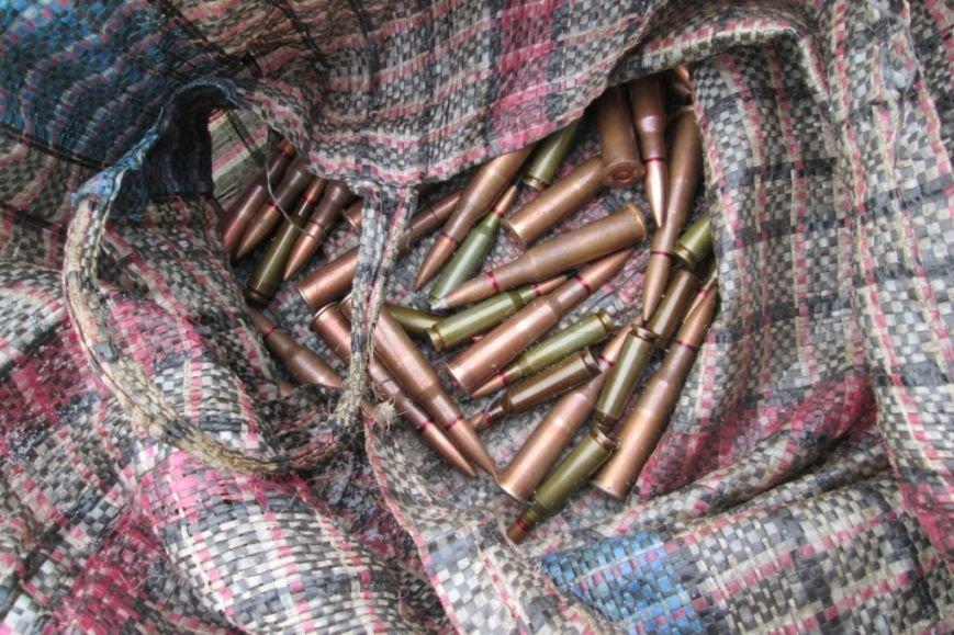 Сумку патронов носил с собой рядом с границей житель Черниговской области (фото) - фото 1