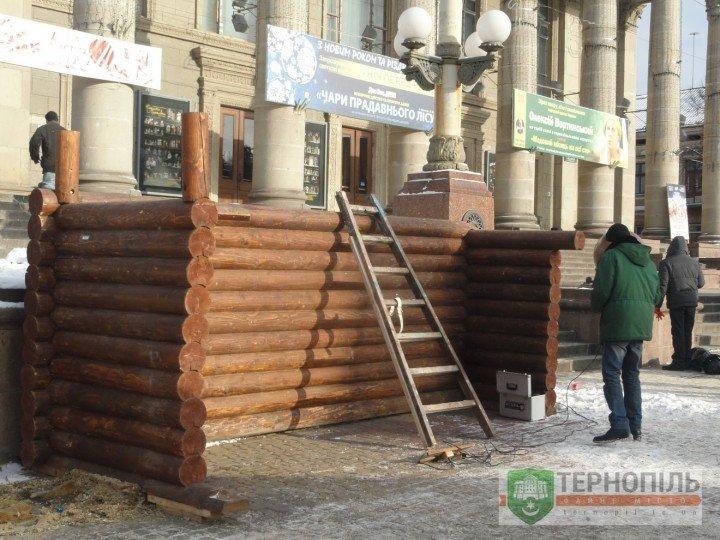 Сьогодні у Тернополі з Театрального майдану демонтують різдвяну шопку (фото) (фото) - фото 2