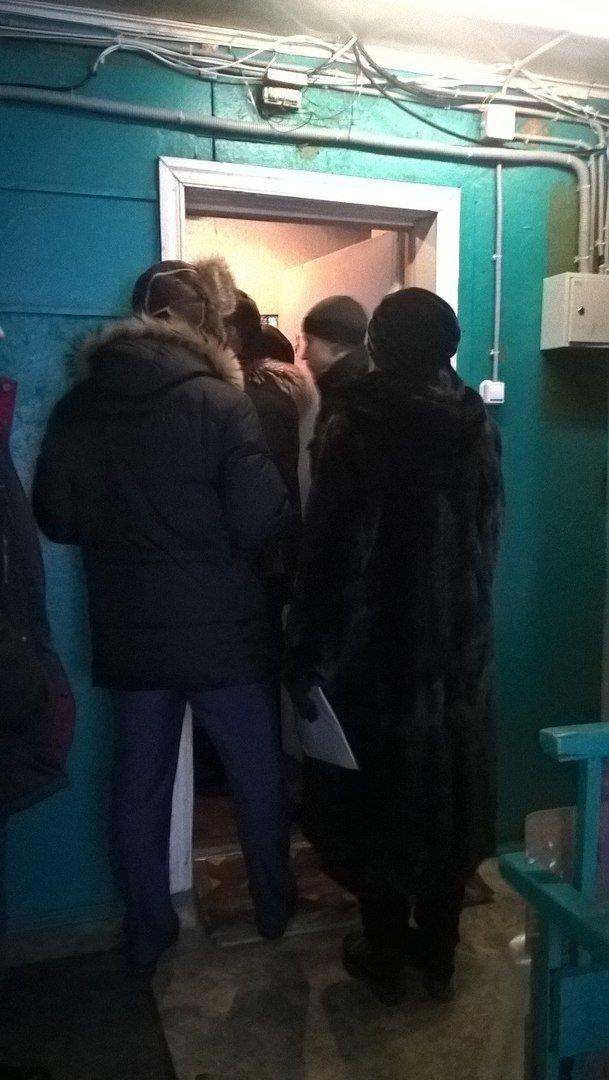 Последствия паводка в Нижневартовске дают о себе знать: из-за грибка и плесени в доме ребенок попал в больницу (фото) - фото 1