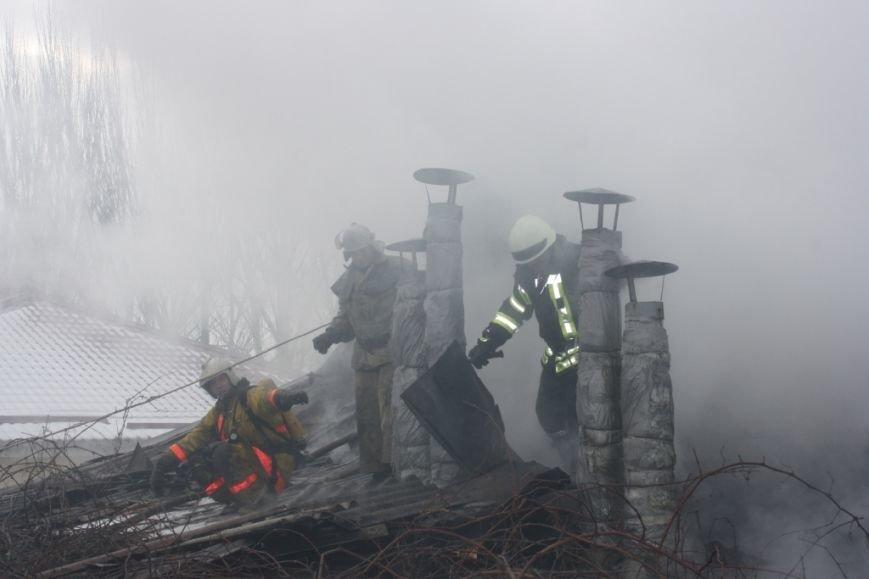 Запорожские спасатели вынесли из огня 72-летнюю женщину, - ФОТО (фото) - фото 5