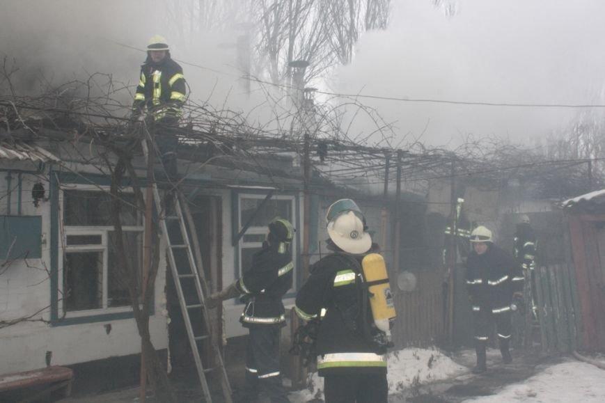 Запорожские спасатели вынесли из огня 72-летнюю женщину, - ФОТО (фото) - фото 2