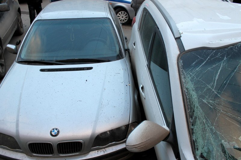ДТП в центре Ростова: маршрутка протаранила два автомобиля, фото-4