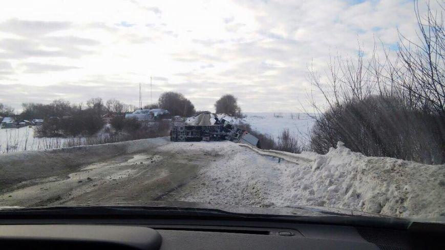 На трассе Ромны – Сумы перевернулась фура (ФОТО), фото-2
