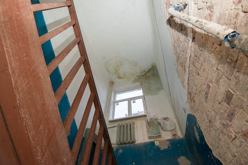 Вину за рухнувшую после капремонта крышу попытались возложить на ростовчан, фото-2