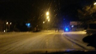 Через ожеледицю у Львові з дороги злетів автомобіль (ФОТО), фото-2