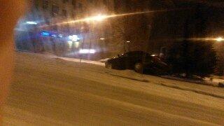 Через ожеледицю у Львові з дороги злетів автомобіль (ФОТО), фото-1
