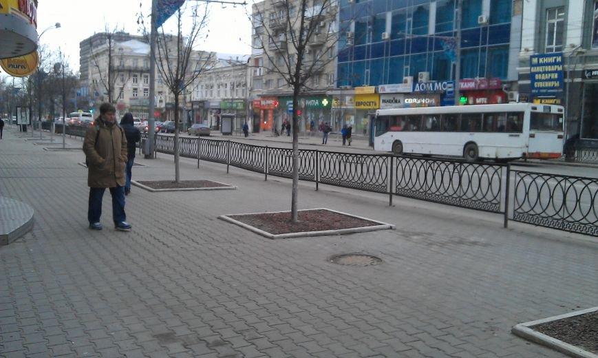 Перенос остановки от правительства Дона грозит проблемами и властям, и горожанам (фото) - фото 3