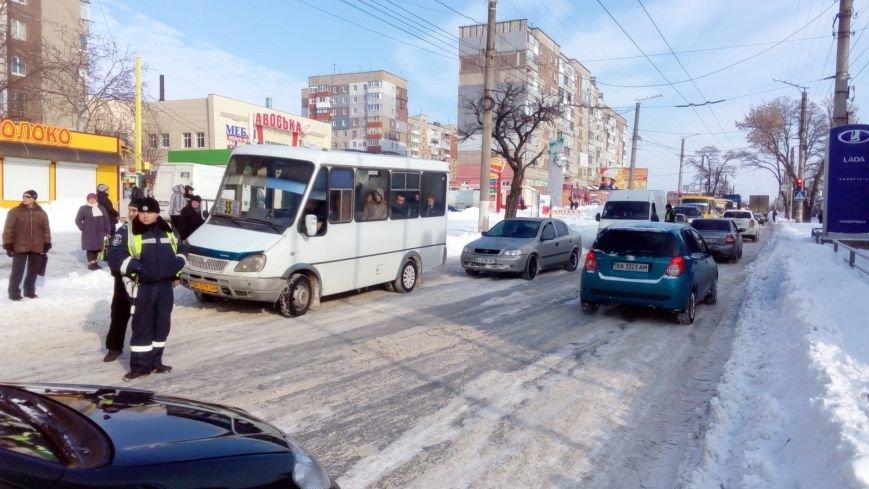 В Кировограде из-за неисправного грузовика образовалась огромная пробка. (ФОТО), фото-6