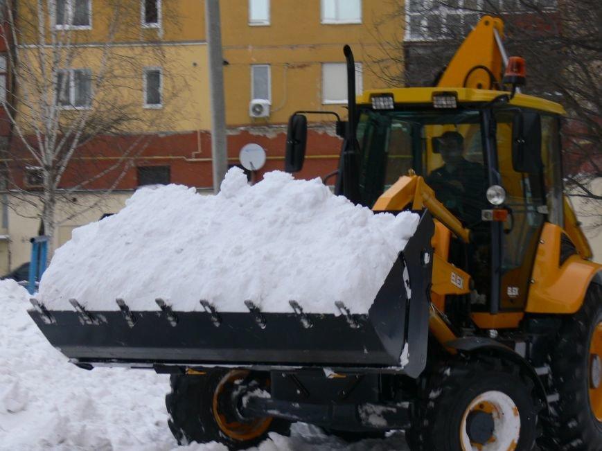 Перший кіровоградський екскаватор розчищав місто від заметів (ФОТО) (фото) - фото 1