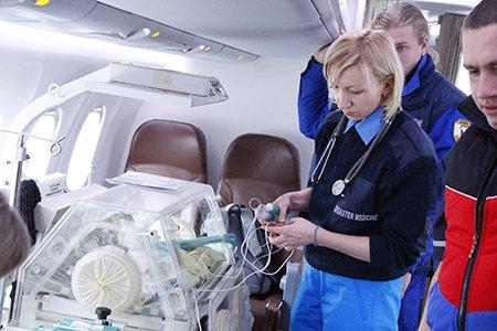 Тяжелобольных рожениц и младенцев отправили спецбортом из Симферополя в Москву (ФОТО) (фото) - фото 4