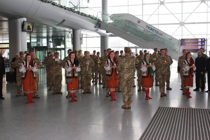 У Львові вшанували захисників Донецького аеропорту (ФОТО), фото-1