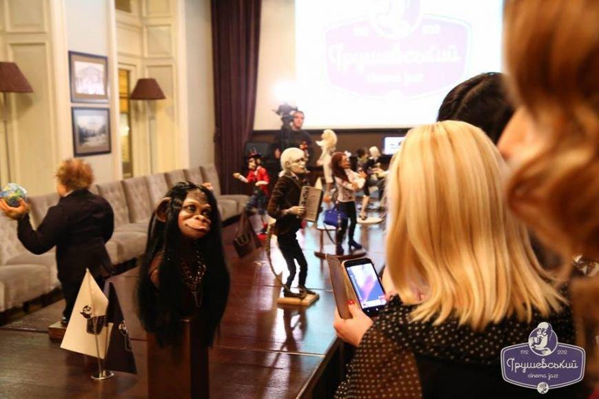 Львівські митці створили міні-копії відомих українців в образах мавп (ФОТО), фото-10