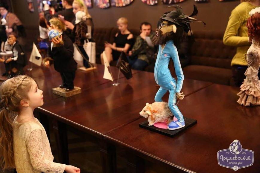 Львівські митці створили міні-копії відомих українців в образах мавп (ФОТО), фото-9