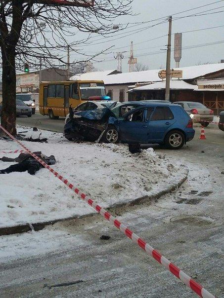На вул. Городоцькій автомобіль збив на смерть жінку. Опубліковані фото з місця події (ФОТО) (фото) - фото 3