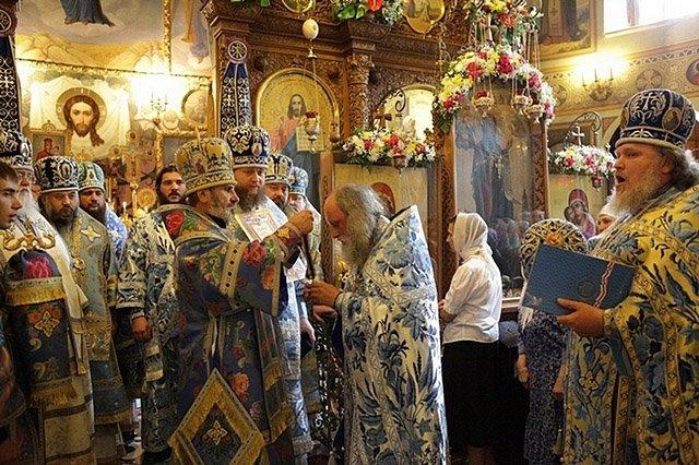 Почаївська ікона Богоматері - серед 12 чудотворних ікон України (фото) - фото 5