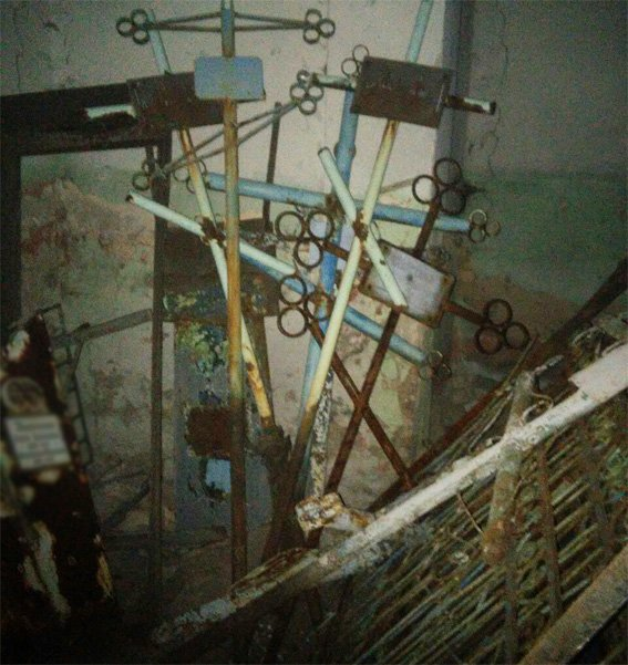 В Кировограде двое мужчин надругались над могилами. ФОТО (фото) - фото 1