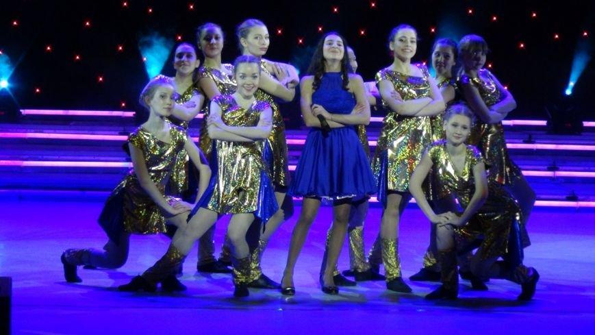 В Нижневартовске отметили начало года детства в Югре праздничным концертом (фото) - фото 12