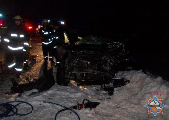 Водитель столкнулся с двумя встречными авто в Оршанском районе и погиб на месте (фото) - фото 1