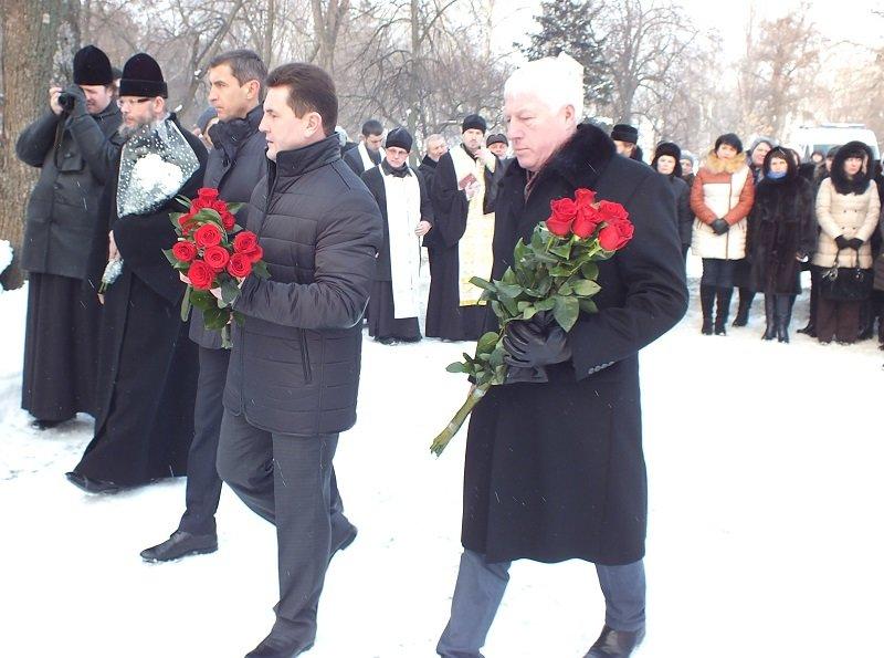 У Черкасах сьогодні відзначили День Соборності та Свободи України (ФОТО) (фото) - фото 4