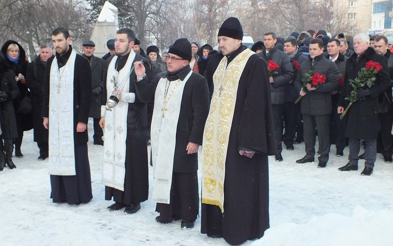 У Черкасах сьогодні відзначили День Соборності та Свободи України (ФОТО) (фото) - фото 2