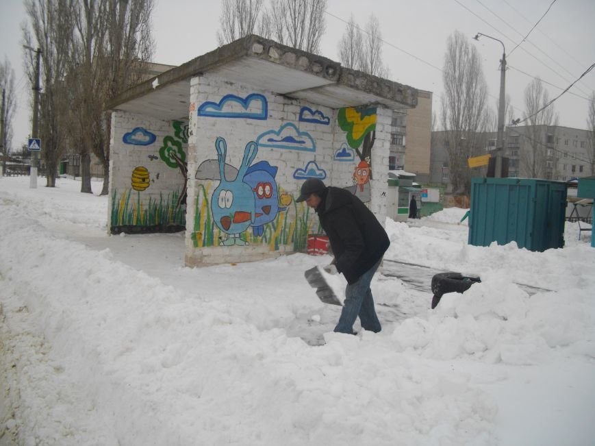 Николаевские коммунальщики добрались до второстепенных дорог Матвеевки и Терновки (ФОТО) (фото) - фото 5