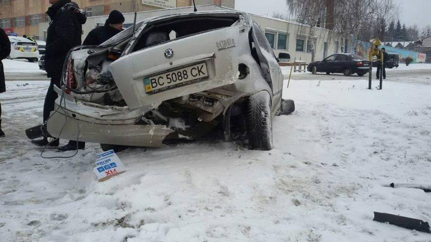 На вул. Пасічній водій автомобіля влаштував аварію і пішов з місця події  (ФОТО), фото-1