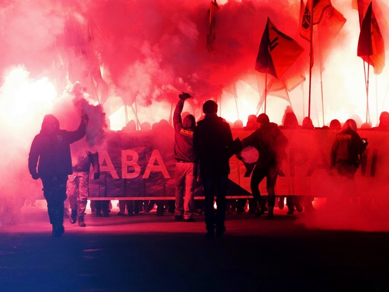 День Соборности  в Мелитополе отметили факельным шествием, - ФОТО (фото) - фото 4