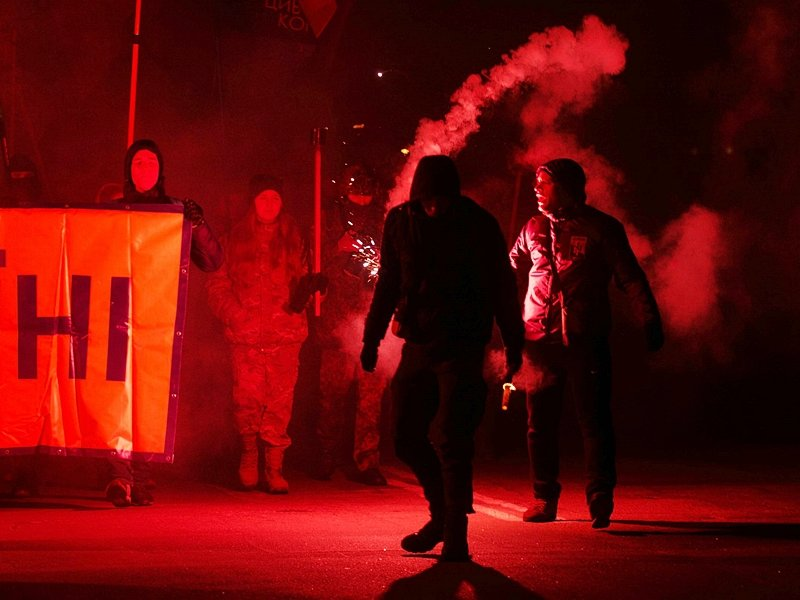 День Соборности  в Мелитополе отметили факельным шествием, - ФОТО (фото) - фото 2