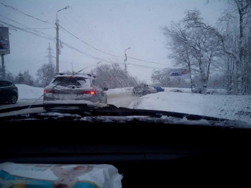 В Ульяновске на подъезде к Императорскому мосту столкнулись легковушки (фото) - фото 1